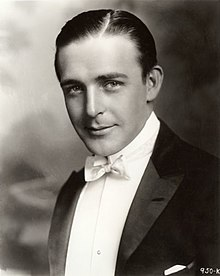 Wallace Reid head and shoulders 1920.jpg