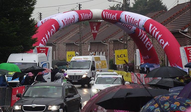 Wallers - Tour de France, étape 5, 9 juillet 2014, arrivée (A68).JPG