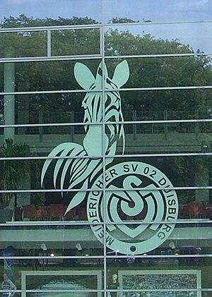 Deutsch: Wappen des MSV Duisburg an der Glasfa...