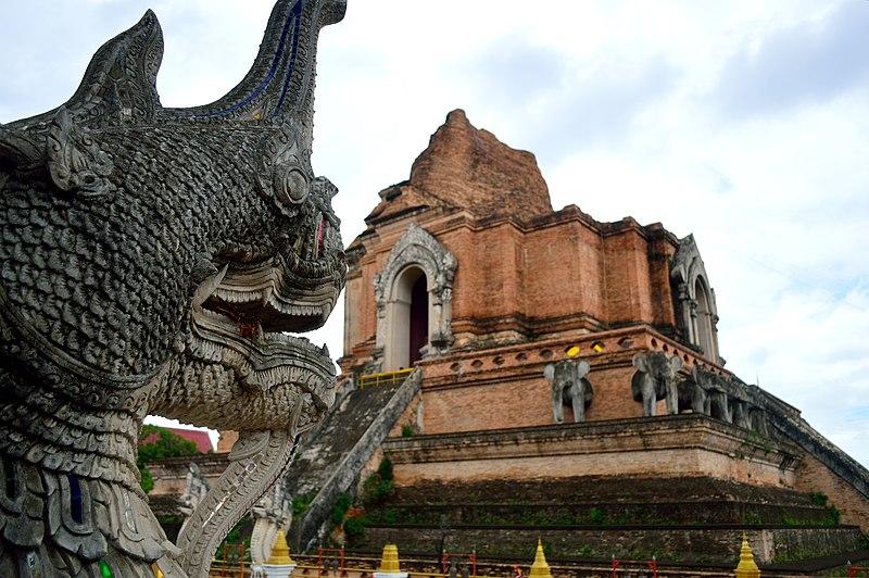 File:Wat Chedi Luang, Chiang Mai.JPG
