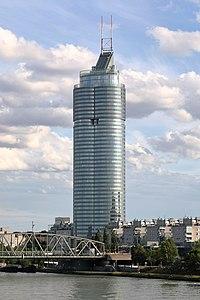 Wien - Millennium Tower (1).JPG