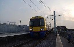 Willesden Junction station MMB 46 378213