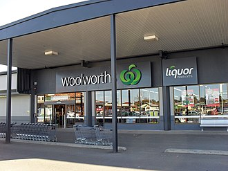 Woolworths Supermarkets - A Woolworths supermarket in Temora, New South Wales