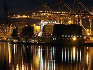 Xin Lian Yun Gang by night, at the Amazone harbour, Port of Rotterdam, Holland 24-Jan-2006.jpg