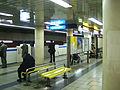 Yokohama-municipal-subway-B17-Kannai-station-platform-4.jpg