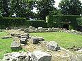 Zamek Kazimierzowski w Przemyślu - relikty rotundy i palatium z czasów Bolesława Chrobrego. Źródło: Wikimedia Commons, autor: Goku122, lic. CC-BY-SA-3.0.