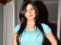 Zarine Khan at Agent Vinod screening.jpg