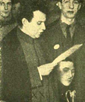 Grigory Zinoviev - Zinoviev, speaking at an engagement with Maxim Gorky