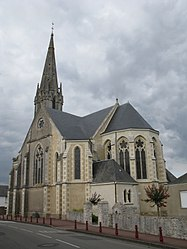 The church in Saint-Même-le-Tenu