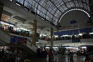 Đồng Xuân Market - Interior space of Dong Xuan Market.