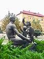 Скульптура композиція «Сім'я», Славутич.jpg