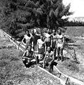 בית-זרע כנראה 1938 - עובדי השדה (גרעין) בתעלת השקיה משנית - iוינטרשטיי btm11403.jpeg