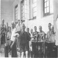 חדר החייטים במחנה המעצר מאוריציוס (אלבום מחנה המעצר במאוריציוס חיי המחנה מ-26 בד-PHAL-1615785.png