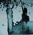 زيارة المغفور له محمد الخامس لمدينة صفرو اثر فيضان واد اكاي سنة 1950.jpg
