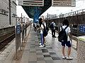 浮洲車站第一月台候車學生 20170719.jpg