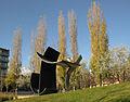 111 Homenatge a Malèvitx, d'Oteiza, al parc del Nord.jpg