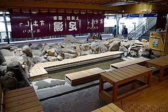 Kami-Suwa Station - Image: 160603 Kami Suwa Station Suwa Nagano pref Japan 11n