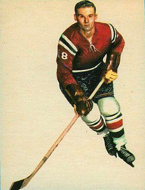 Murray Hall (ice hockey) - Image: 1962 Topps Murray Hall