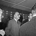 1963 Visite de Mrs Georges Pompidou et Edgard Pisani au CNRZ-17-cliche Jean Joseph Weber.jpg