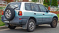 1995-1997 Toyota RAV4 (SXA11R) wagon (2010-09-19) 02.jpg