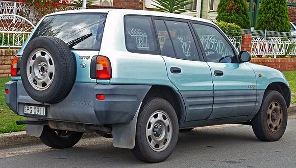 toyota rav4 1 поколение топливо