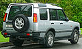 2002-2004 Land Rover Discovery (MY03) Td5 5-door wagon (2011-10-25).jpg