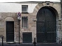 23 Rue des Écouffes, Paris September 2012.jpg