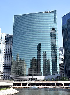 333 Wacker Drive, Chicago in May 2016.jpg