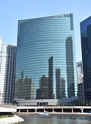 333 Wacker Drive - Image: 333 Wacker Drive, Chicago in May 2016