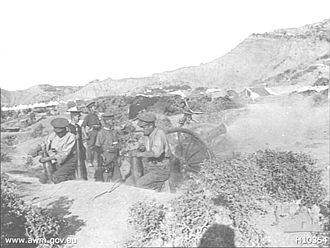 BL 5-inch howitzer - In action on Gallipoli, 1915