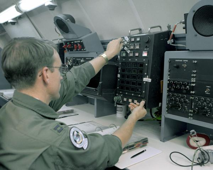 Airborne Missileer operating Common ALCS on board an EC-135A ALCC ALCS 1.png