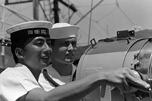 A sailor from JS Shirane (DDH-143), -1 Oct. 1986 a.jpg