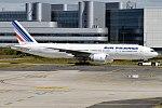 Air France, F-GSPJ, Boeing 777-228 ER (35764778135).jpg