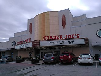 Alabama Theatre (Houston) - The Alabama Theatre as a Trader Joe's