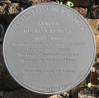 Albert Bedane - Plaque in Roseville Street at the site where Albert Bedane sheltered escapees
