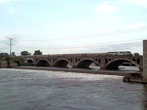 Amtrak over the Kankakee river.jpg