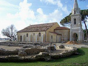 Andernos-les-Bains - Image: Andernos Église St Éloi 2