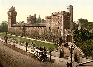 Animal Wall - The Animal Wall in front of Cardiff Castle (c. 1890)