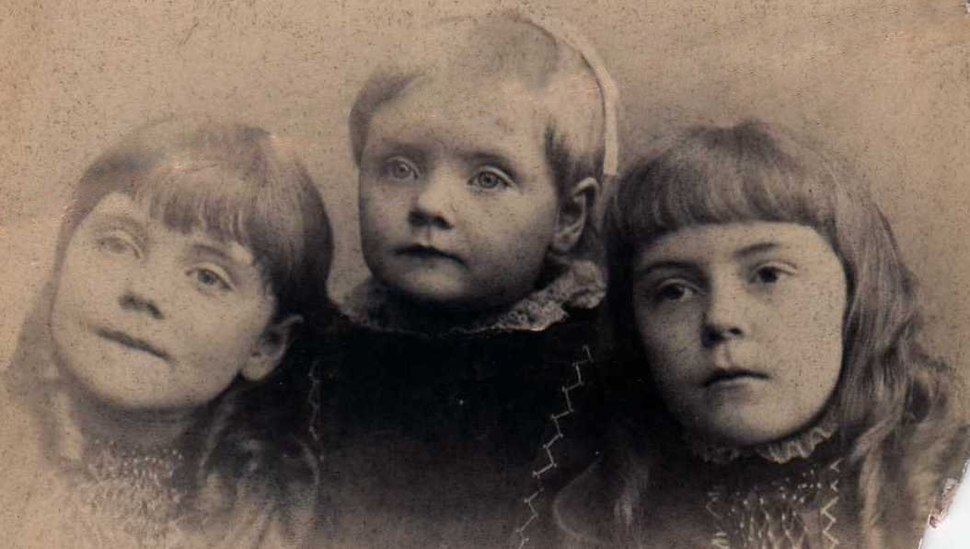 Anne O'Hare McCormick sisters