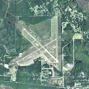 Apalachicola Regional Airport - USGS 2006 orthophoto