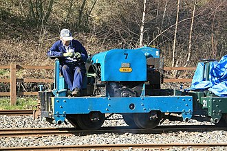 Motor Rail - A 20/28hp plate-frame Simplex built in 1941, running at the Moseley Railway Trust