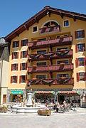 Arcs 1950 - Hotel et restaurant.JPG