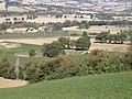 Area archeologica di Suasa - Anfiteatro - Vista dalla collina.JPG