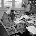 Arvid Odencrants, professor i fotografi, vid sitt skrivbord på Kungliga Tekniska Högskolan ca 1950.jpg
