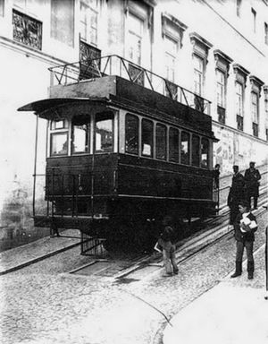 Ascensor da Glória - One of the tram cars as seen at the beginning of the 20th century