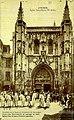 Avignon la Naciouin gardiano devant l'église Saint-Pierre.jpg