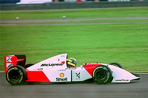 McLaren MP4/8 - Image: Ayrton Senna Mclaren MP4 8 during practice for the 1993 British Grand Prix (32873580103)