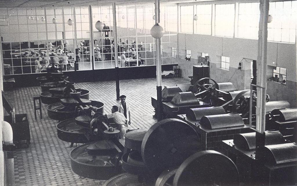 BASA-1340K-1-12-3-Velizar Peev's Chocolate factories