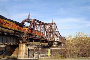 La Crosse Rail Bridge - Image: BNSF cross the La Crescent MN swing bridge