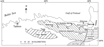 A map of kukersite deposits in northern Estonia and Russia. The upper, northern third of the map shows the bordering water bodies. The Baltic Sea lies to the left of centre and the Gulf of Finland to the right.